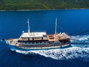 Love boat gulet yacht (1)
