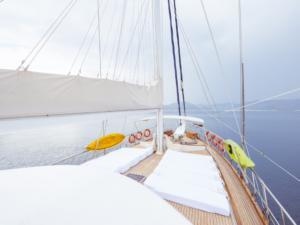 Yucebey guley yacht master cabin(26)